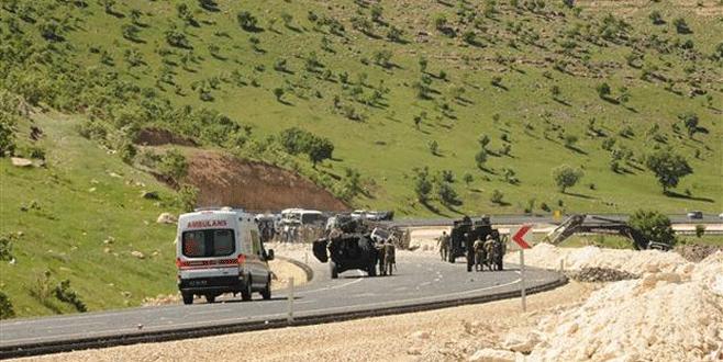 Polis aracına tuzak: 13 yaralı