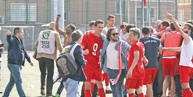 Fettah'ın şampiyonluk sevinci