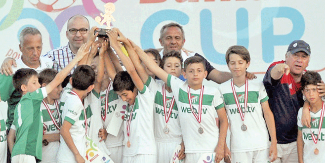 Bursaspor U11'e bir büyük ödül daha