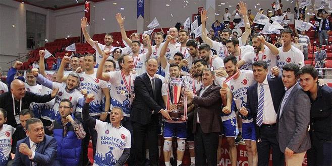 Voleybolda şampiyon Halkbank