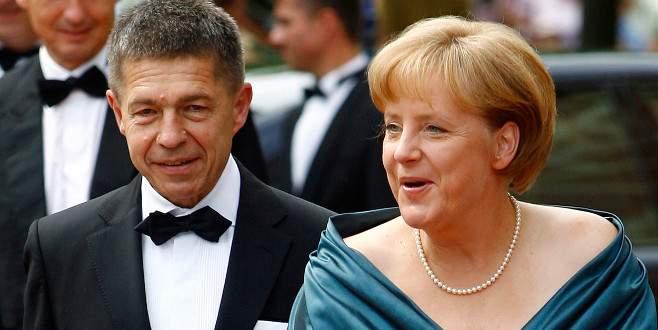 Merkel'in eşi Sauer Bursa'da
