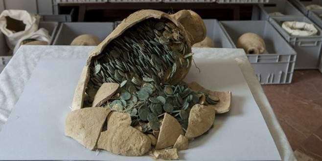 Su borularını tamir eden işçiler 600 kilo altın buldu!