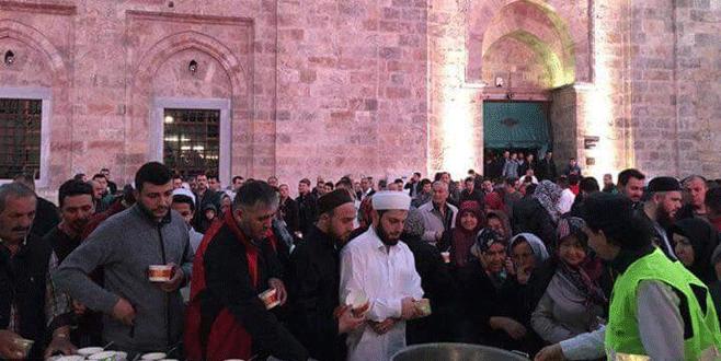 Bursalılar teröre karşı Ulucami'ye akın etti