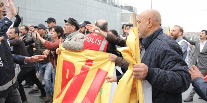 'Öcalan' posteriyle alana girmek isteyen HDP'li gruba müdahale