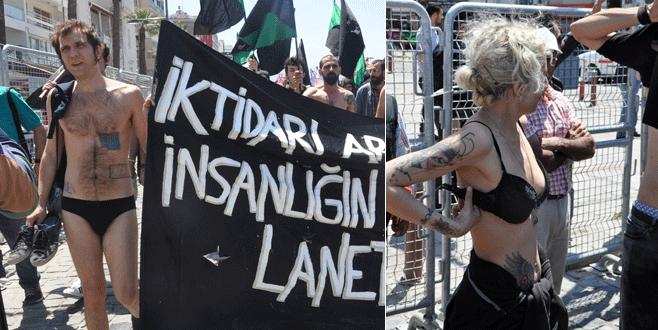 İzmir'de çıplak protesto