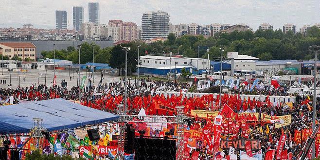 """İstanbul'da """"1 Mayıs"""" Bakırköy'de kutlandı"""
