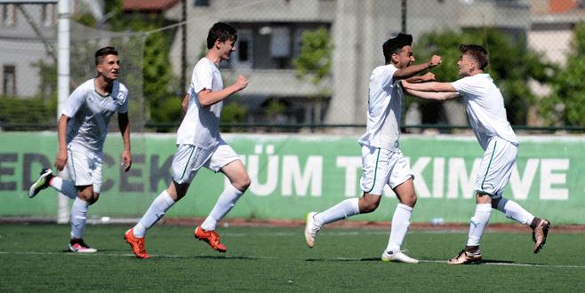 Bursaspor U15 final biletini kaptı
