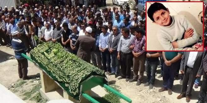 Akıl almaz ölüm! Salıncak ipi 8 yaşındaki Emine'nin sonu oldu