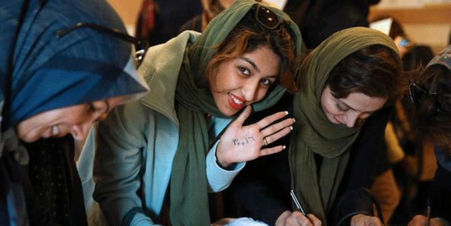 İran'da kadın vekil rekoru