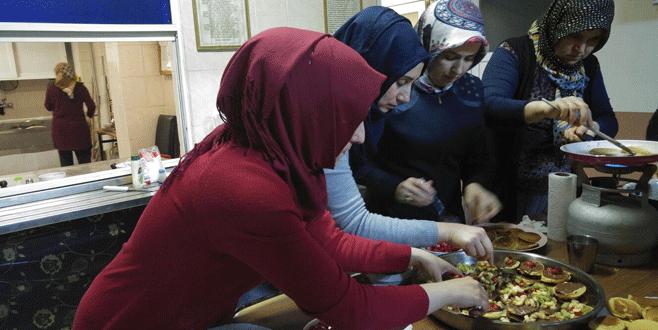 Orhanelili kadınlar yöresel yemekleri öğreniyorlar