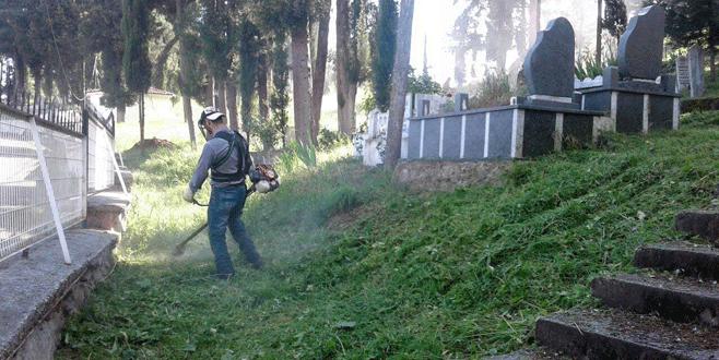 Mezarlıklarda temizlik