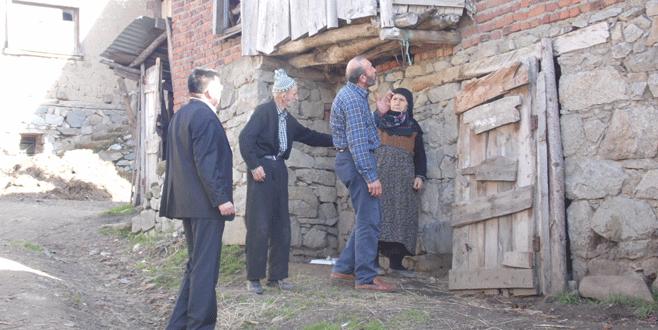 Orhaneli'nde oturulamaz durumdaki evler onarılıyor