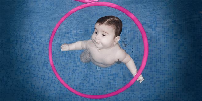 Bursa'da emeklemeden yüzmeyi öğreniyorlar