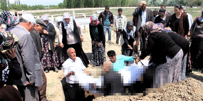 Bursa'daki canlı bomba Iğdır'da toprağa verildi