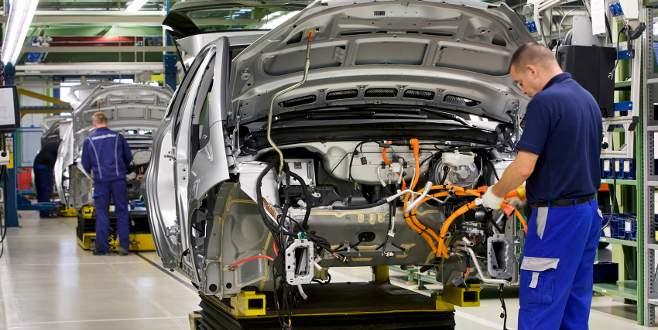 Otomotiv üretimi Nisan'da yüzde 2 arttı