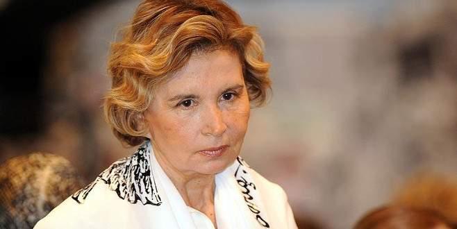 Nazlı Ilıcak'a, Davutoğlu'na hakaretten para cezası
