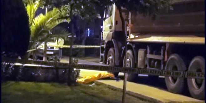 Parkta yürüyüş yapan üniversite öğrencisini kamyon ezdi