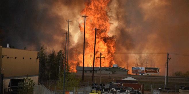 Yangın petrol bölgesini çevreledi