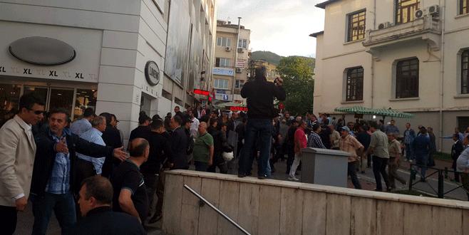 Bursa'da yasadışı gösteriye müdahale