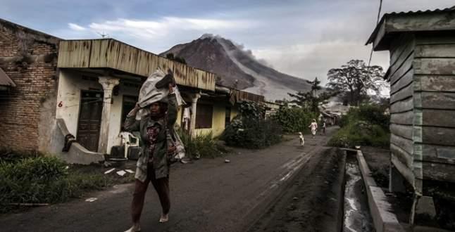 Sinabung Yanardağı 6 can aldı