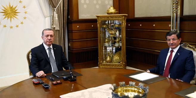 Başbakan Davutoğlu istifasını sundu