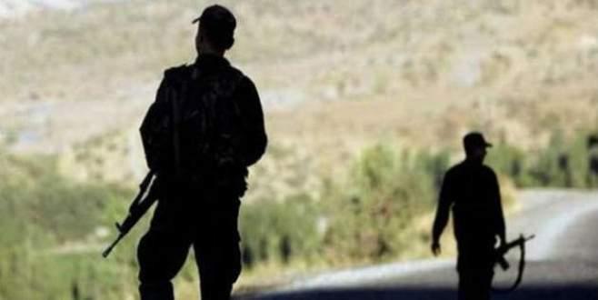 Jandarma ile teröristler arasında çatışma çıktı