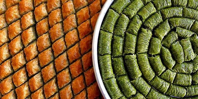 Yabancıların ağzı Türk baklavasıyla tatlandı