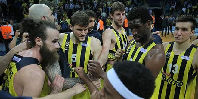 Fenerbahçe: 93 – Galatasaray: 79