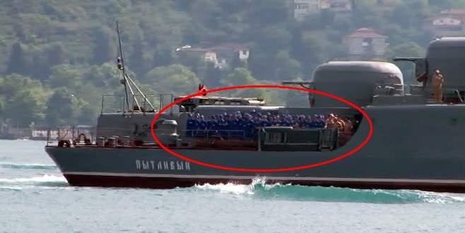 Rus savaş gemisi Boğaz'dan bu kez de böyle geçti