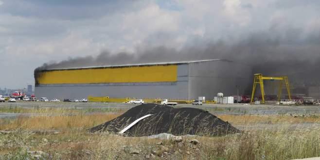 Tuzla tersaneler bölgesinde yangın