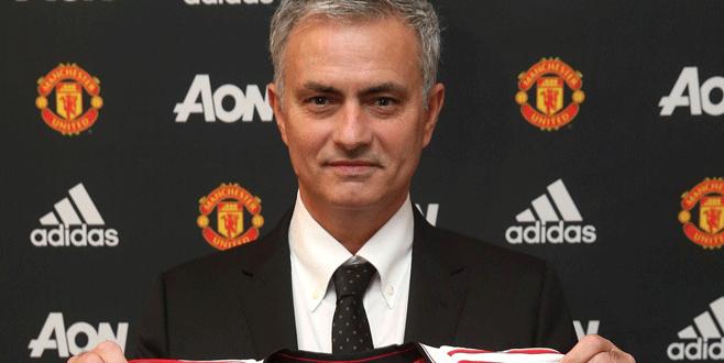 Mourinho resmen 'Kırmızı Şeytan' oldu