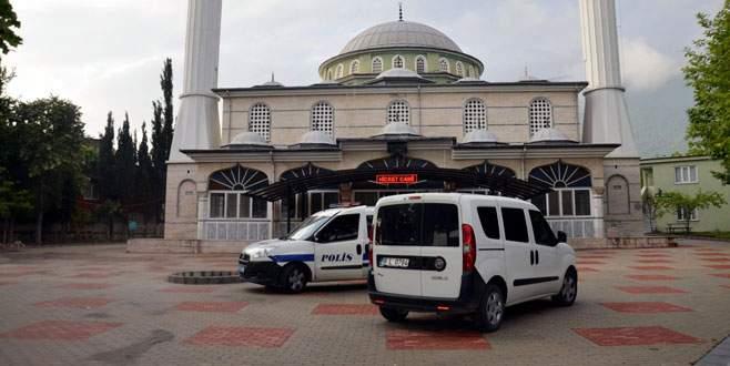 Çevik Kuvvet'in yanındaki camide bomba paniği