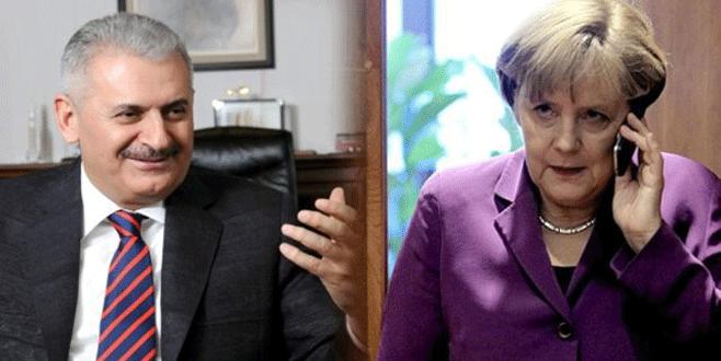 Başbakan Yıldırım'dan Angela Merkel'e telefon: Endişeyle izliyoruz