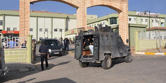 Polis aracına bombalı saldırı: 4 ölü, 23 yaralı