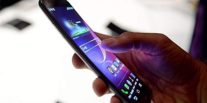 Cep telefonunu yanlış kullanmak sağlığı bozuyor