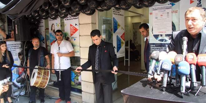 Bursa'da işyerini cenaze marşıyla kapattı