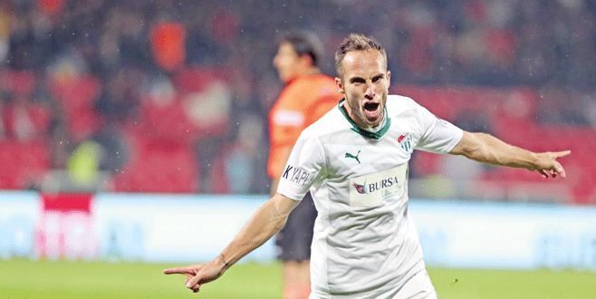 Bursaspor'un teklifini kibarca reddetti!