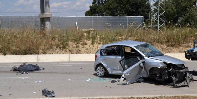 Feci kaza! Aynı aileden 3 kişi öldü