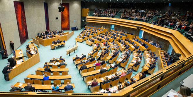 Hollanda 'soykırım' demeyecek
