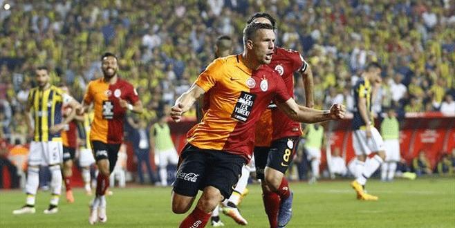 Podolski'nin forması 10 bin TL'ye satıldı