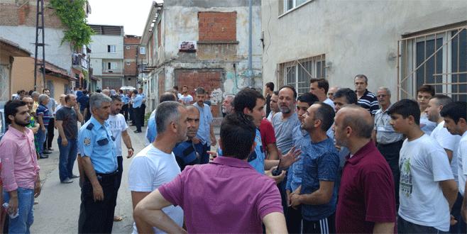 Bursa'da 'yan bakma' kavgası
