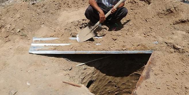 400 kişilik toplu mezar bulundu