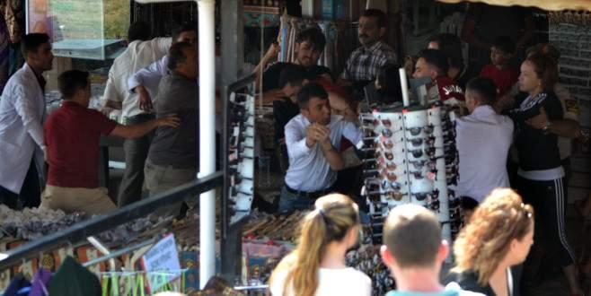 Esnaf ile turistler birbirine girdi