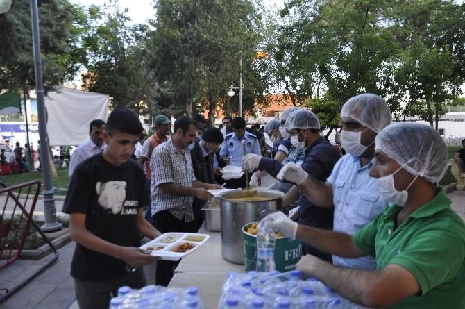 Siverek Belediyesi'nden Her Gün Bin Kişiye İftar Yemeği