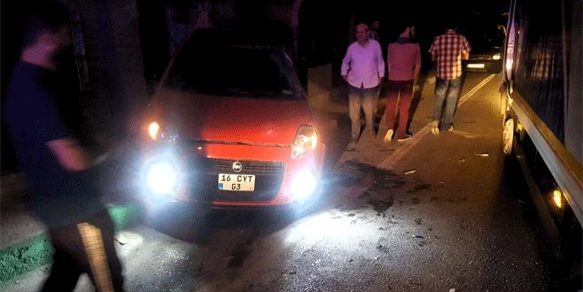 Bursa'da feci kaza: Yol kenarında yürüyen yayaları ezdi