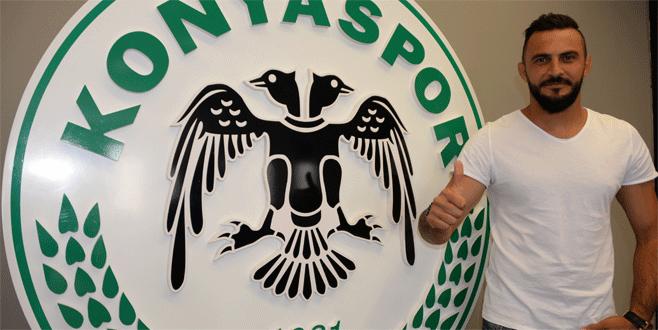 Kaya Tarakçı 1 yıl daha Konyaspor'da