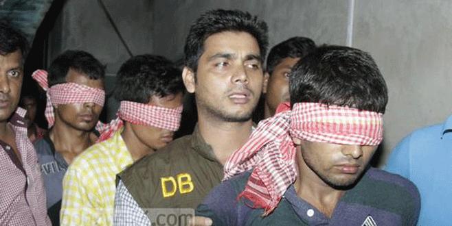 Bangladeş'te 8 bin tutuklama