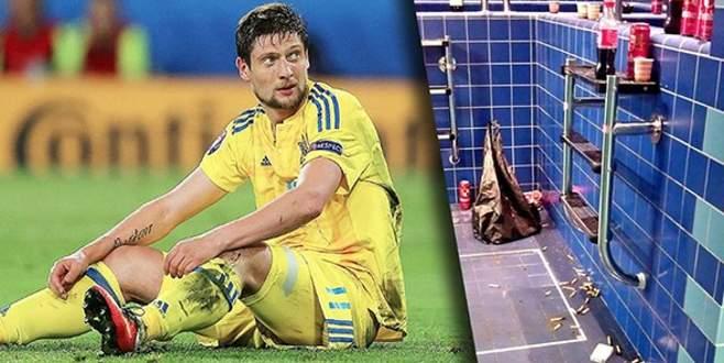EURO 2016'da soyunma odasında skandal görüntüler!