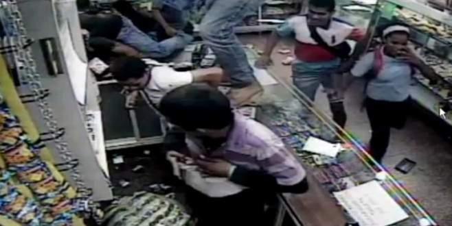 Venezuelalılar marketleri yağmaladı