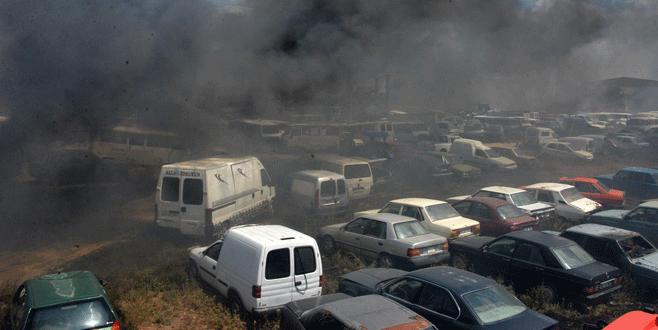 70 araç birden yandı!